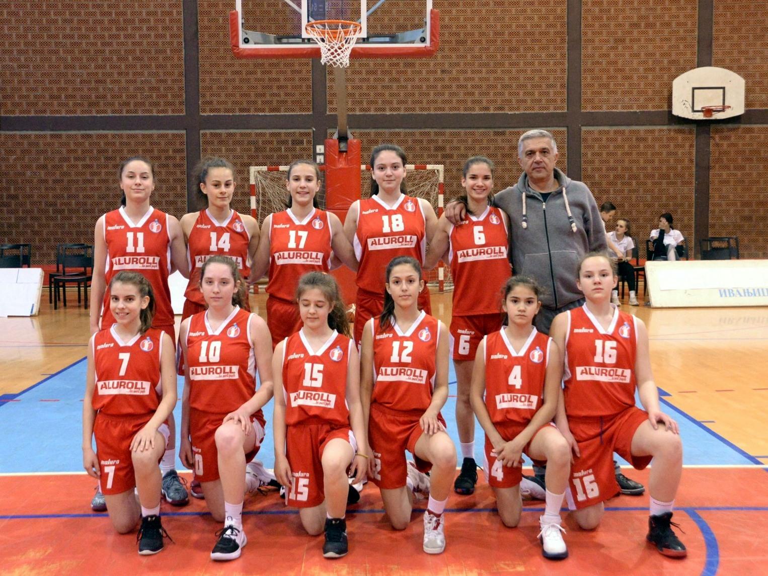 Mlade košarkašice Radničkog na pripremama kadetske reprezentacije Srbije